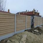 Montaj gard beton prefabricat (santier)